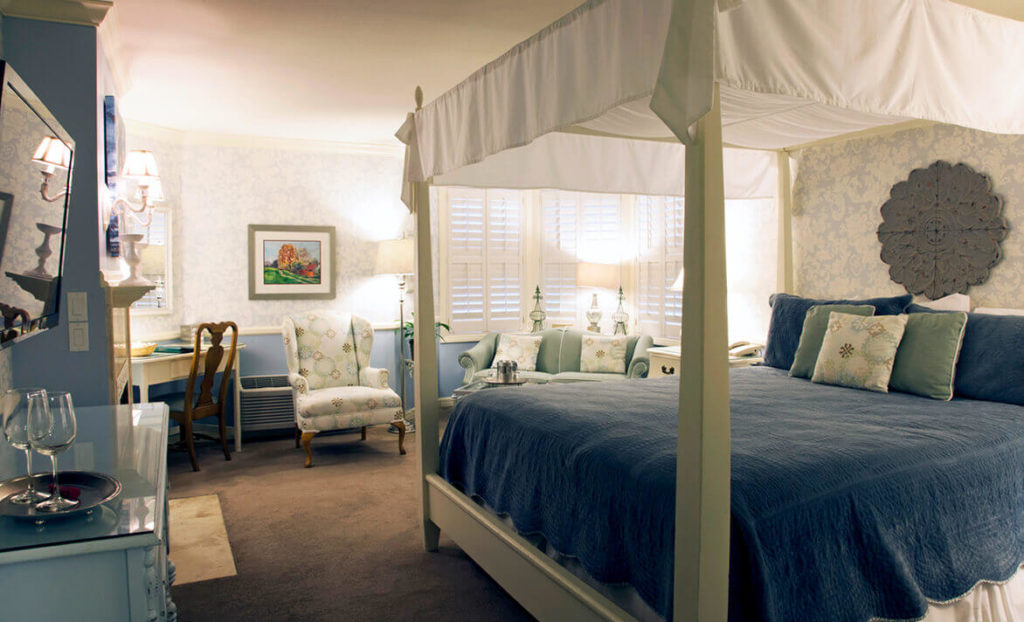 Blue bedroom at Apple Farm hotel