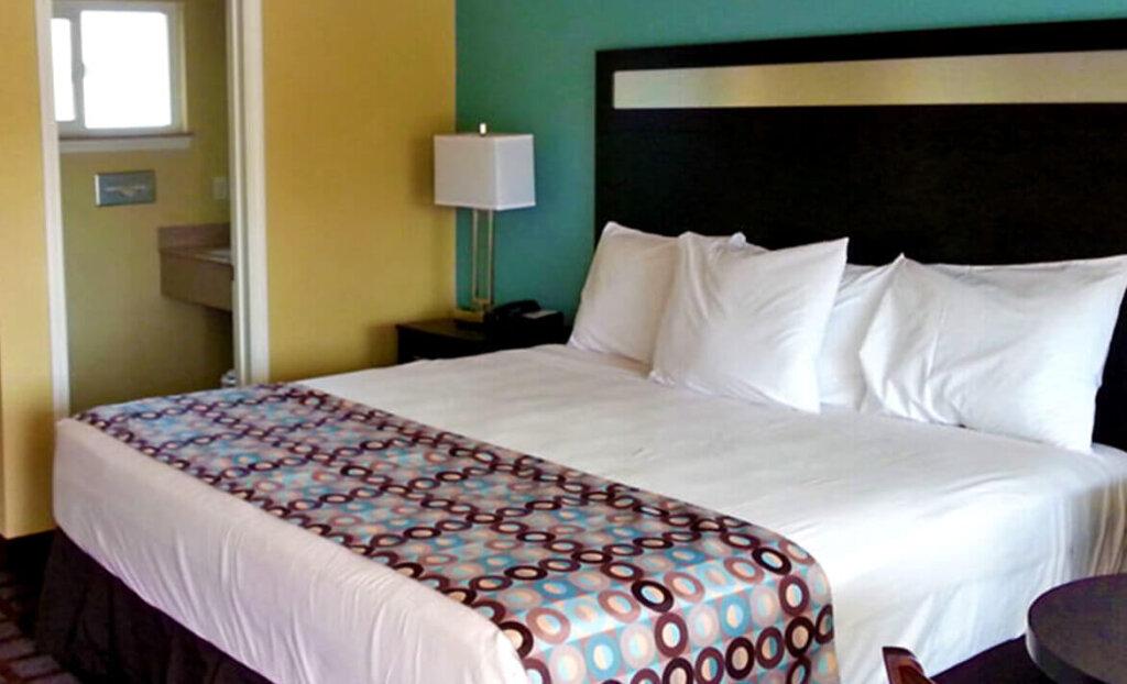 Bedroom at Avenue Inn