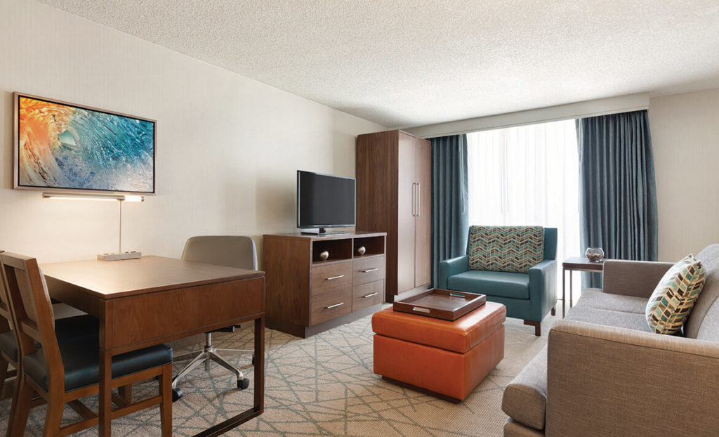 Embassy Suites by Hilton San Luis Obispo bedroom furnishings