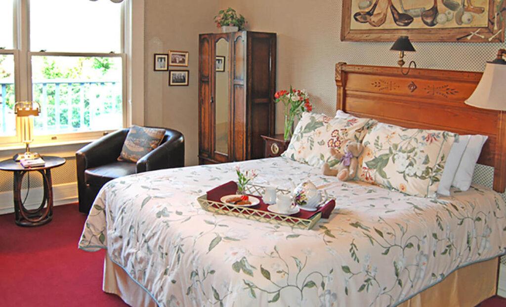 Bedroom at Garden Street Inn