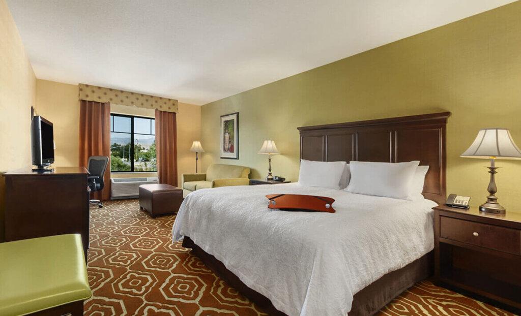 Bedroom at Hampton Inn & Suites