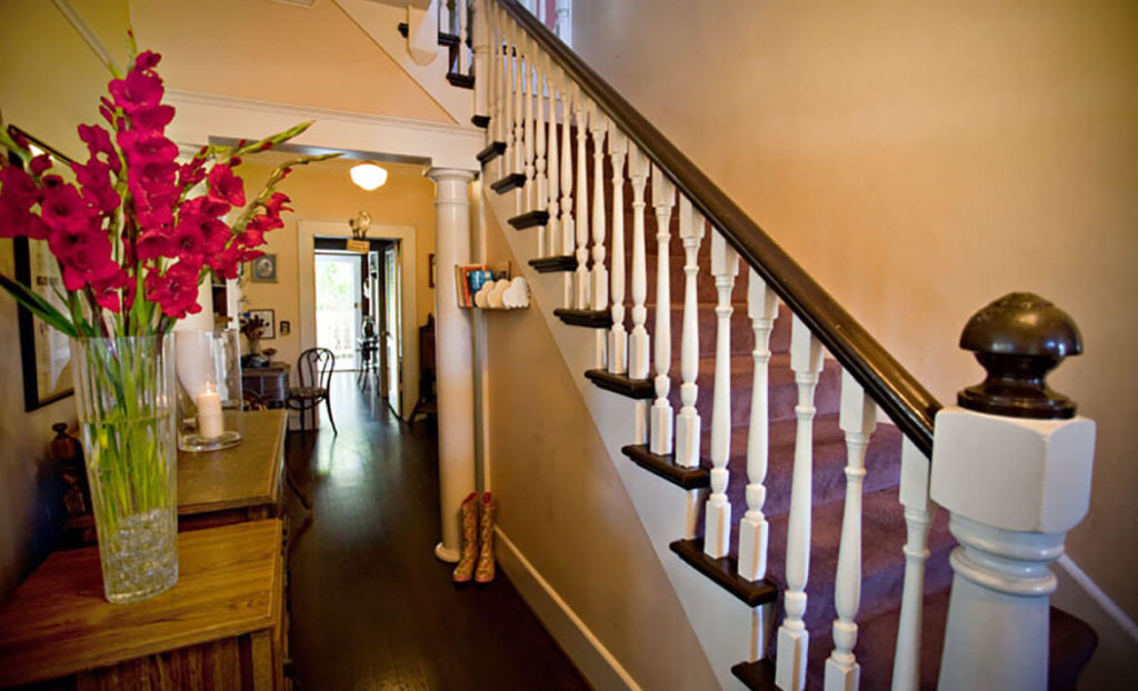 Staircase of Heritage Inn Bed & Breakfast