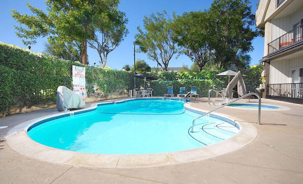 La Cuesta Inn Outdoor Pool