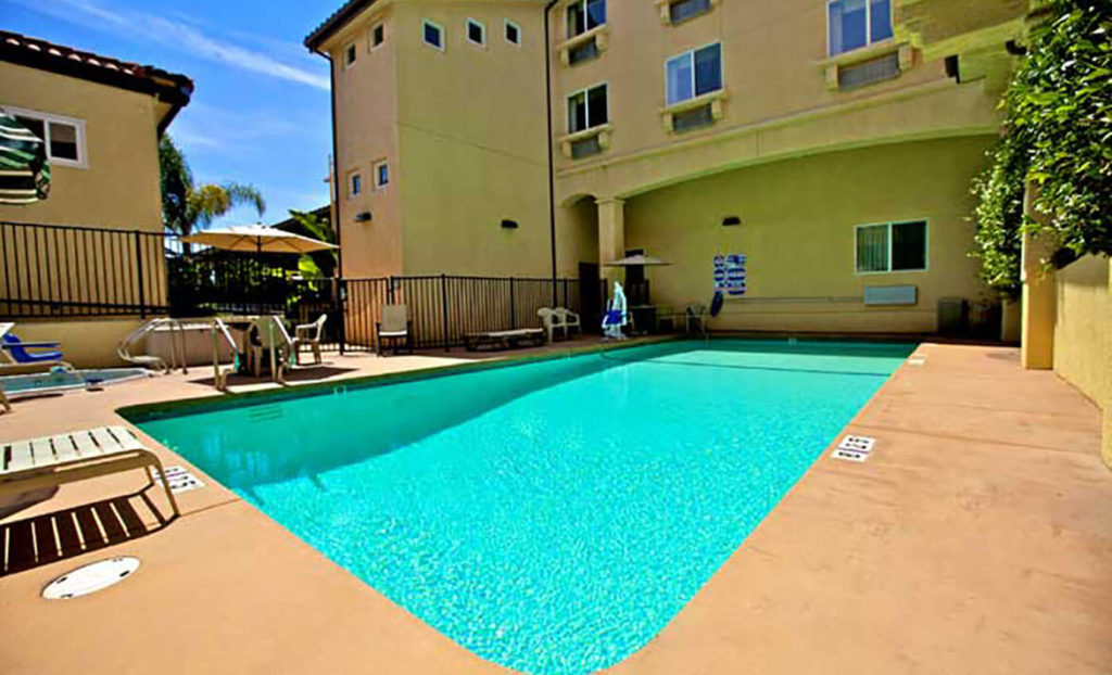 Pool at Lamplighter Inn & Suites San Luis Obispo