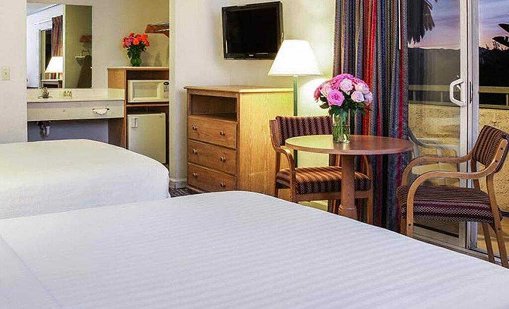 Lexington Inn Double Bedroom