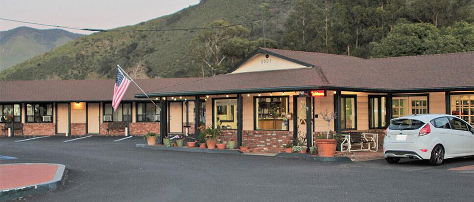 Peach tree inn san luis obispo vacations for Pet friendly hotels near hearst castle