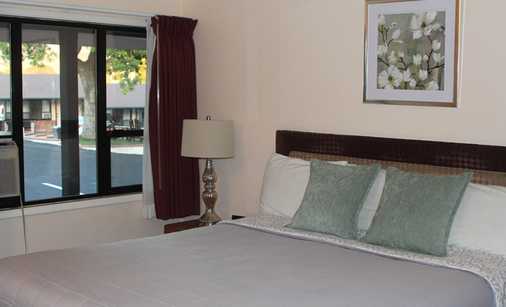 Bedroom at Peach Tree Inn