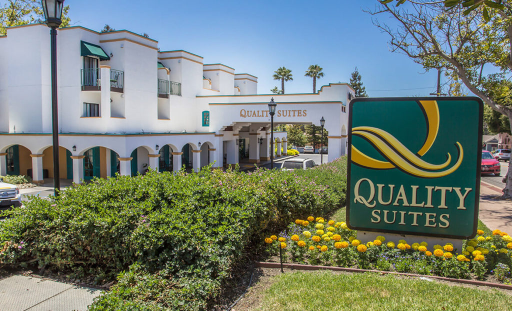 Front Entrance of Quality Suites Downtown San Luis Obispo