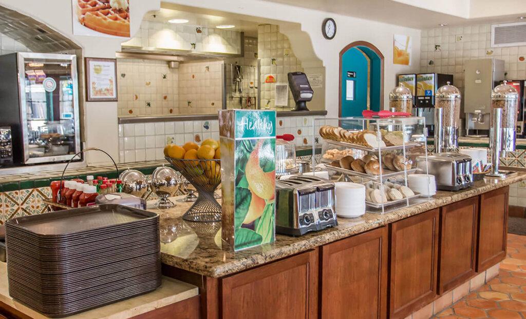 Breakfast spread at Quality Suites Downtown San Luis Obispo