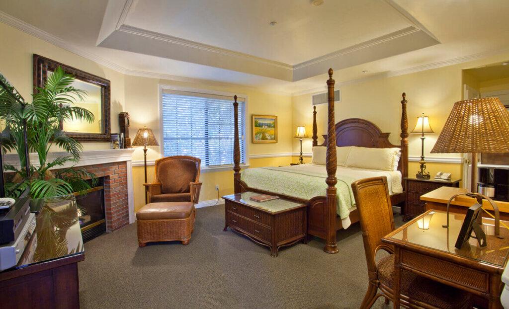 Bedroom at San Luis Creek Lodge