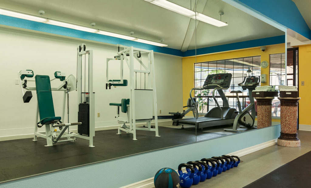 Fitness center at Sands Inn & Suites