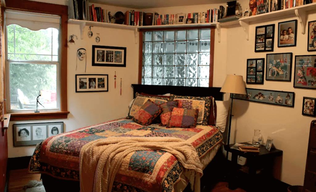 Bedroom in the Trexler Homestay