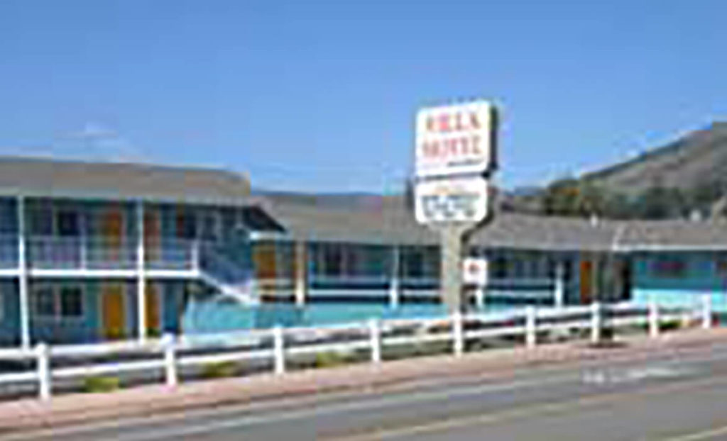 Front of Villa Motel