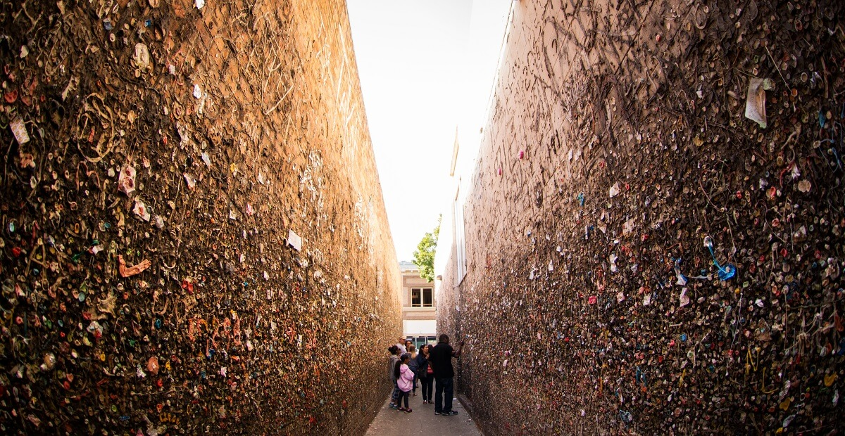 Family in Bubblegum Alley SLO