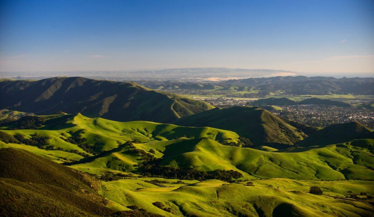 Green grassy San Luis Obispo Hills
